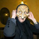 Pulcinella joue Licores y Ostras. Mise en scène et actings Inés Diarte / Amy Eckmeder. 2009